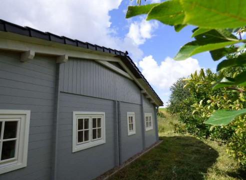 Schweriner Seenlandschaft - Bungalow im Schwedenhausstil mit Carport